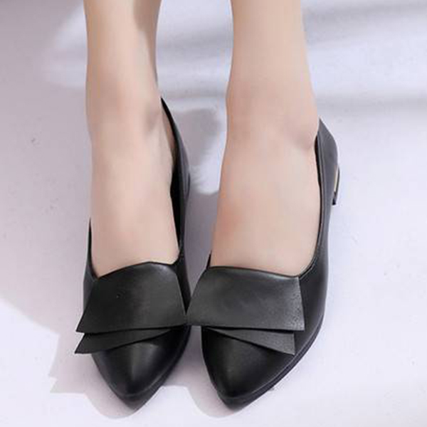 Shallow Mouth Low Heel Flared Flat Shoes - Black