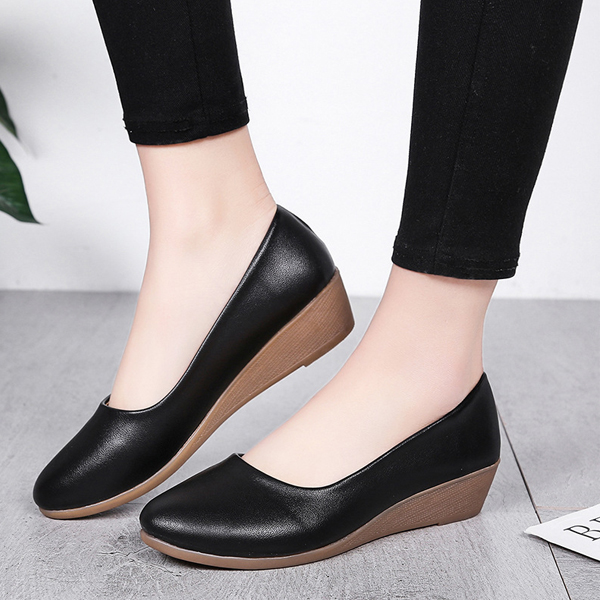 Shallow Mouth Leather Textured Formal Shoes - Black