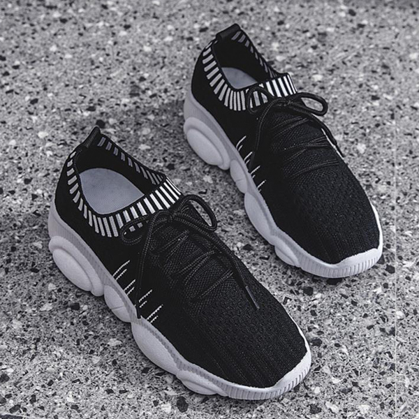 Light Weight Summer Wear Sports Sneakers - Black