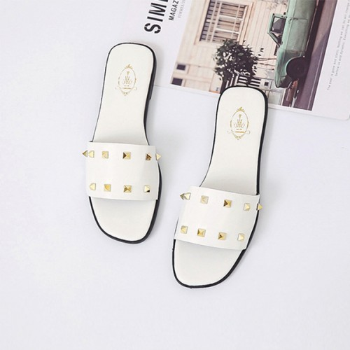 Rivets Decorative Flat Wear Summer Slippers - White