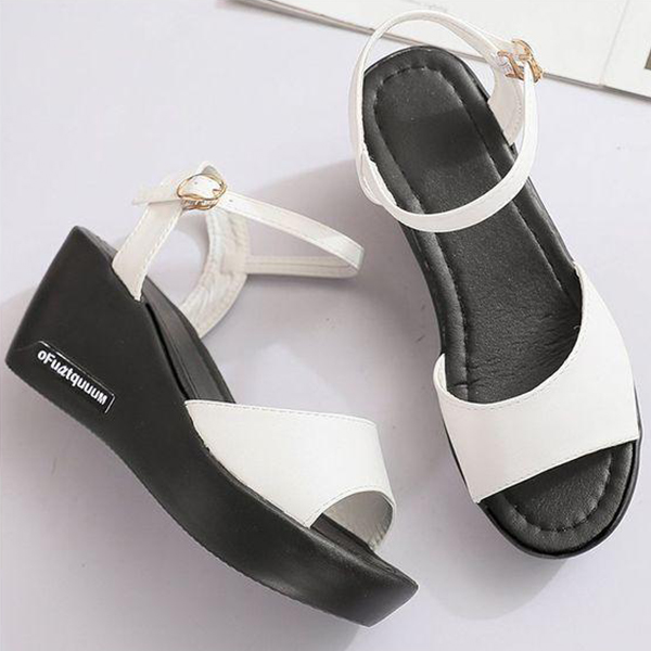 Buckle Closure Thick Bottom Sandals - White