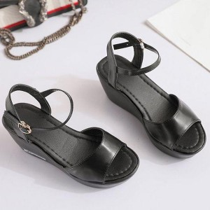 Buckle Closure Thick Bottom Sandals - Black