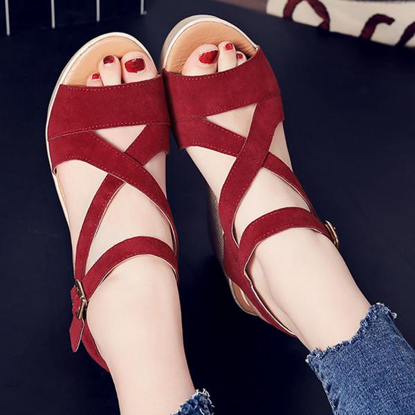Heavy Bottom Strappy Burgundy Buckle Sandals