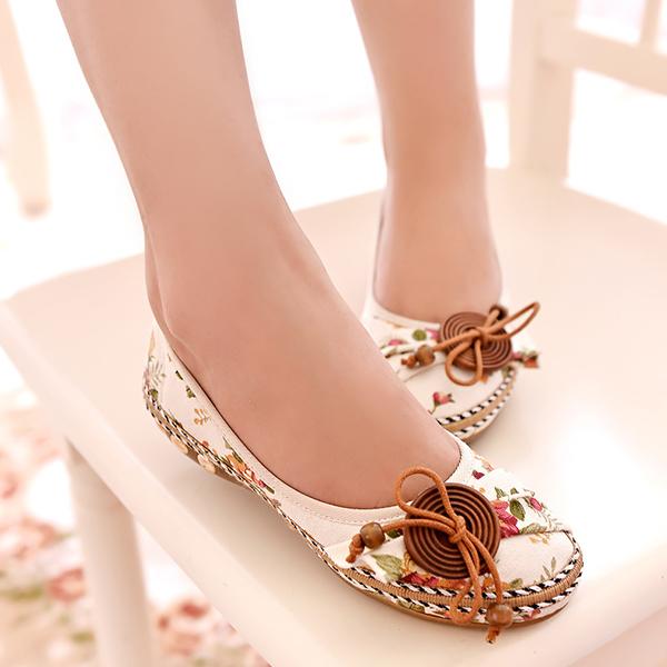 Floral Prints Flat Summer Shoes - White