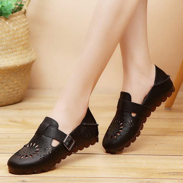 Hollow Bohemian Style Buckle Summer Shoes - Black