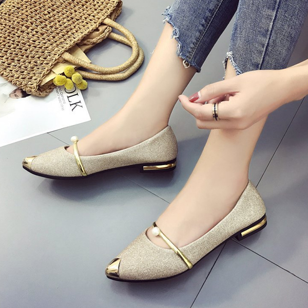 Glittered Pointed Low Bottom Golden Shoes