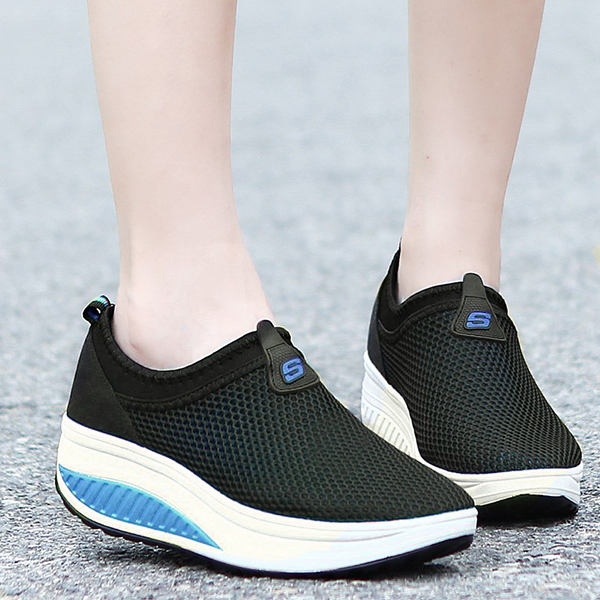 Thick Sole Sports Canvas Breathable Sneakers - Black