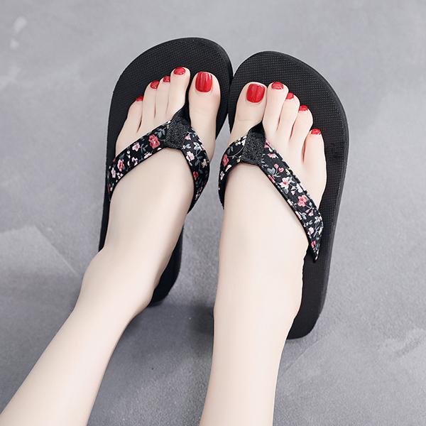 Floral Print Flat Summer Wear Flip Flops