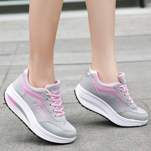 Sports Casual Laced Running Sneakers - Pink