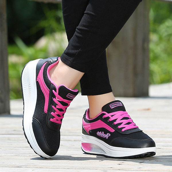 Sports Casual Laced Running Sneakers - Black