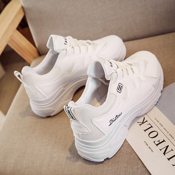 Casual Summer Soft Bottom White Running Shoes
