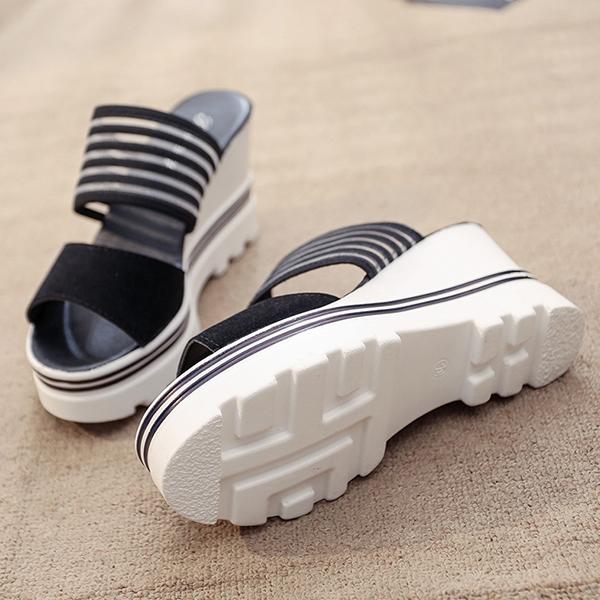 Heavy Bottom Comfortable Black Sandals