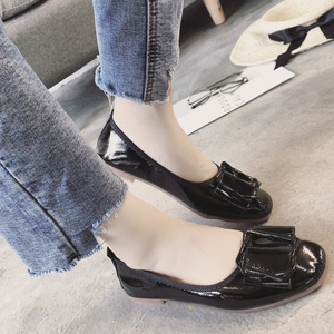 PU Leather Cross Buckle Flat Shoes - Black