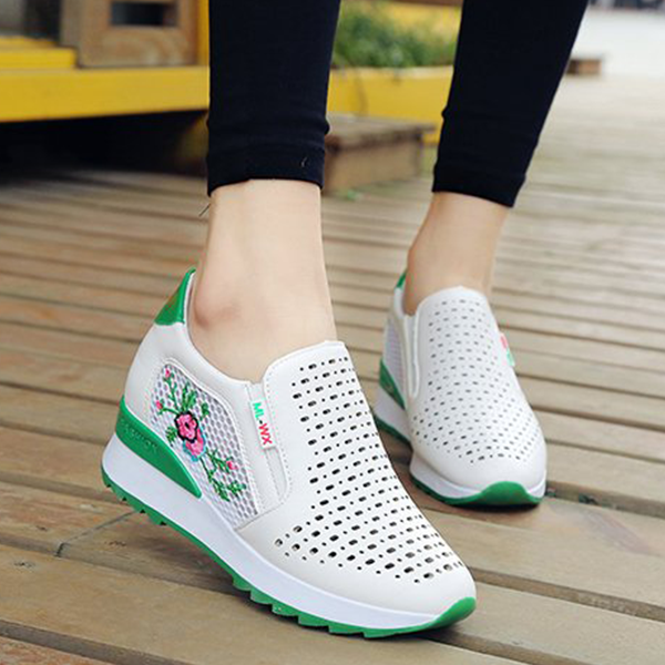 Floral Embroidery Casual Sneakers - Green Contrast