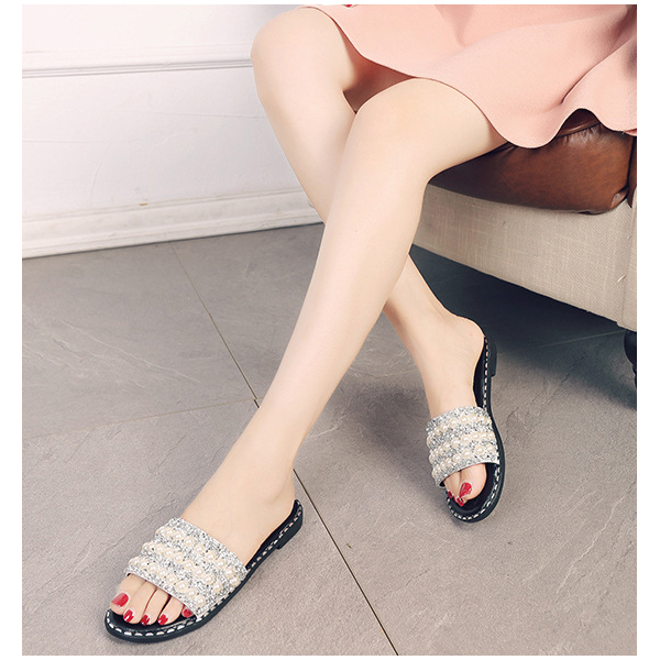 Pearl Decorated Sparkling Flat Sandals