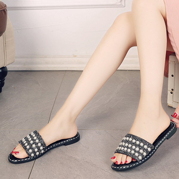 Pearl Decorated Sparkling Flat Sandals - Black