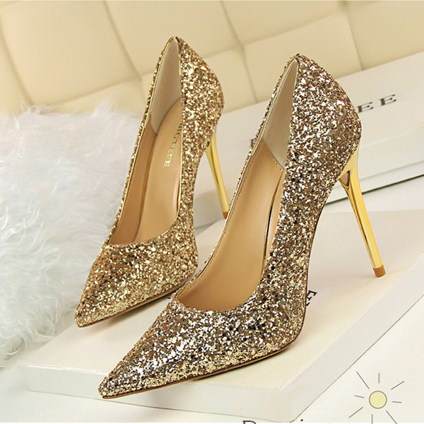 Glittered High Heel Synthetic Leather Pointed Shoes - Golden