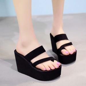 Thick Sole Women Wear Platform Sandals - Black