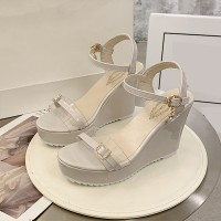 Crystals Patched Buckle Platform Sandals - White