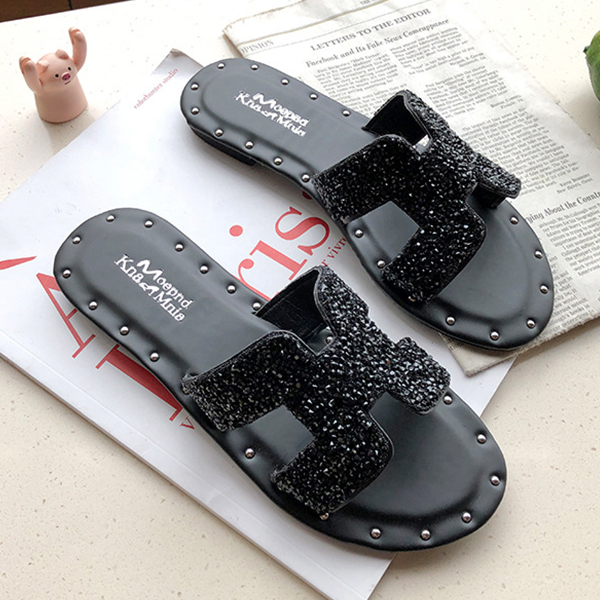 Rivets Decorative Party Wear Flat Slippers - Black