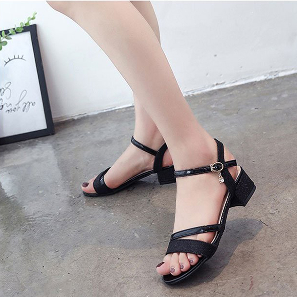 Elegant Buckle Strap Designers Party Sandals - Black