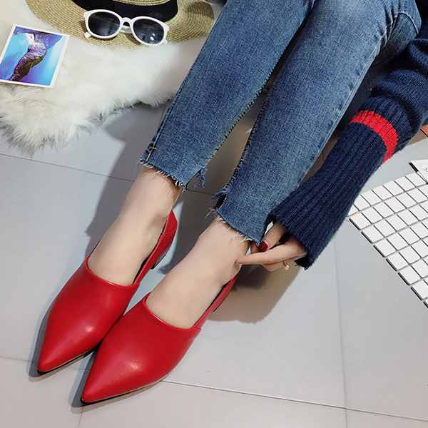 Thick Bottom Pointed Synthetic Leather Shoes - Red