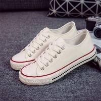 Canvas Flat Sole Women Wear Fashion Sneakers - White
