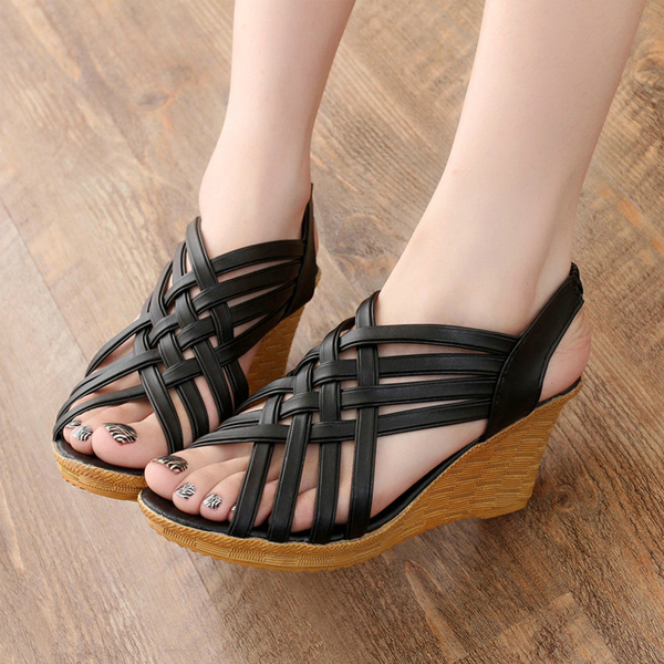 Heavy Bottom Hollow Fish Mouth Black Sandals