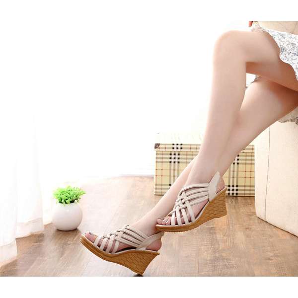 Heavy Bottom Hollow Fish Mouth Khaki Sandals