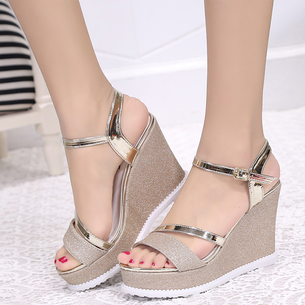 Glittered Thick Bottom Golden Party Wear Sandals