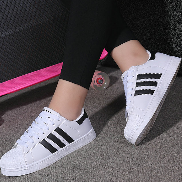 Famous White Lace Sneakers With Black Straps For Unisex