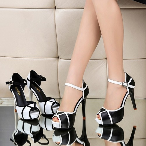 Buckle Closure High Heel Sandals - Black
