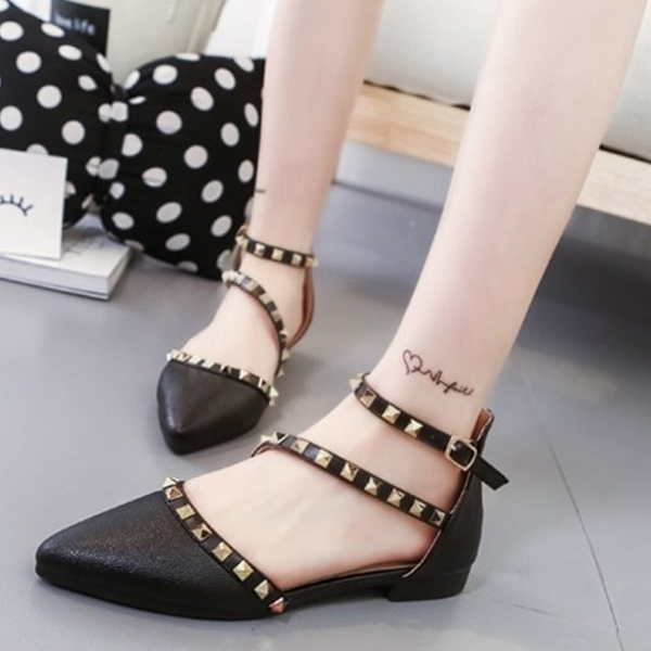 Designers Exclusive Pointed Party Wear Black Sandals