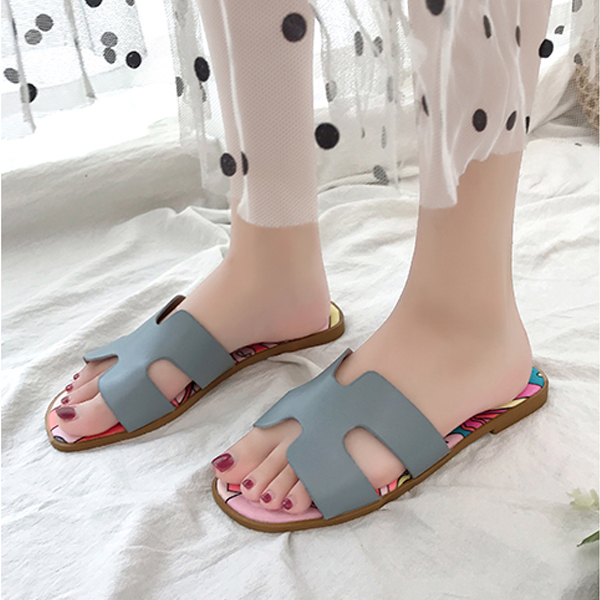 Fancy Prints Cut Out Casual Flat Slippers - Grey