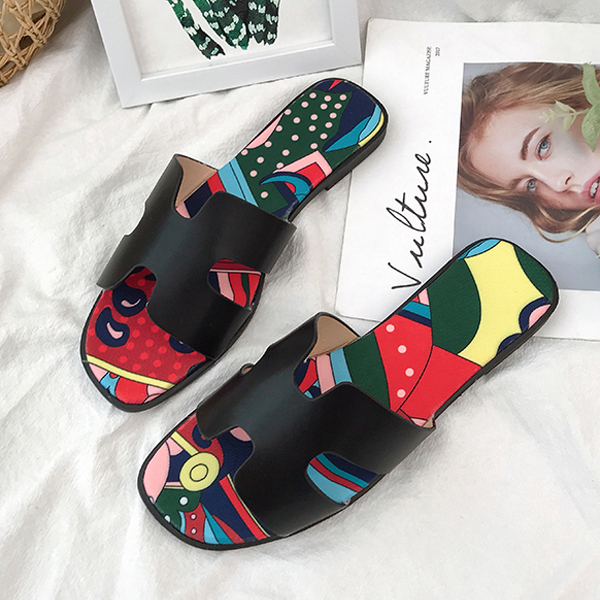 Fancy Prints Cut Out Casual Flat Slippers - Black