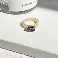 Plastic Marble Textured Crystal Carved Vintage Rings - Gray