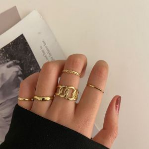 Golden Plated Five Pieces Women Fashion Rings Set - Golden