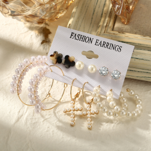 Crystal Patched Pearl Decor Earrings Set