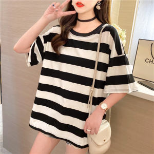 Round Neck Stripes Print Loose Casual Wear Top - Black and White