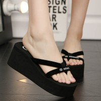 Thick Bottom Cross Strap Women Fashion Slippers - Black