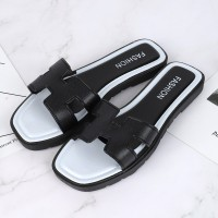Flat Sole Base Synthetic Leather Casual Slippers - Black and White