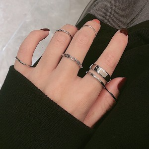 Eight Pieces Silver Plated Braid Women Fashion Rings Set - Silver