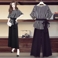 Stripes Half Sleeves Two Pieces Suit - Black and White