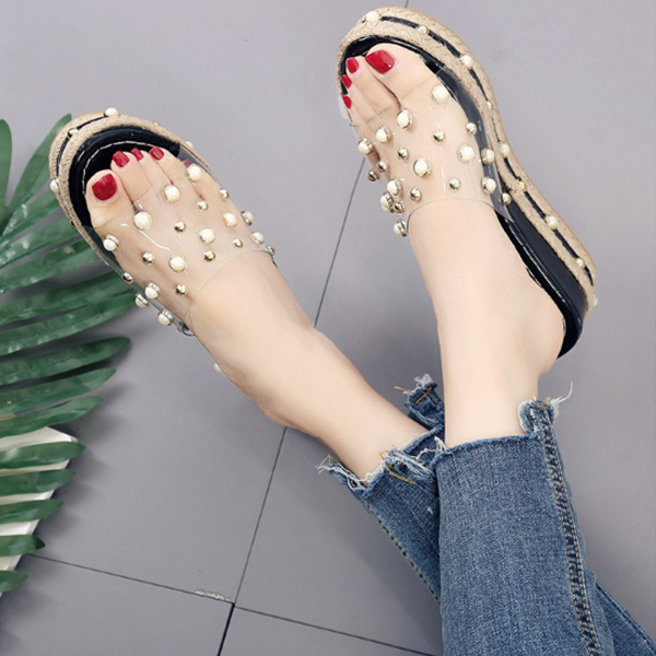 Pearl Decorated Black Medium Sole Sandals