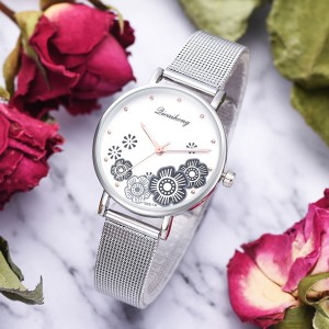 Cute Floral Dial Stainless Steel Wrist Watch - Black
