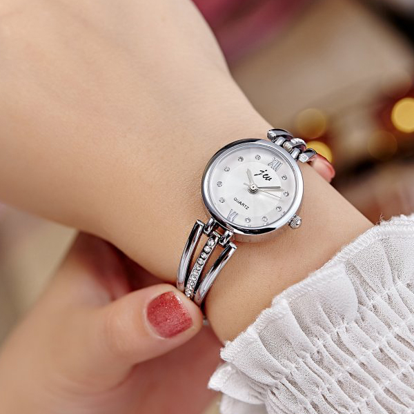 Luxury Wedding Wear Women Bracelet Wrist Watch - Silver