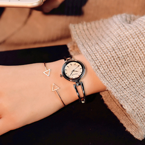 Crystal Engraved Silver Plated Analogue Wrist Watch