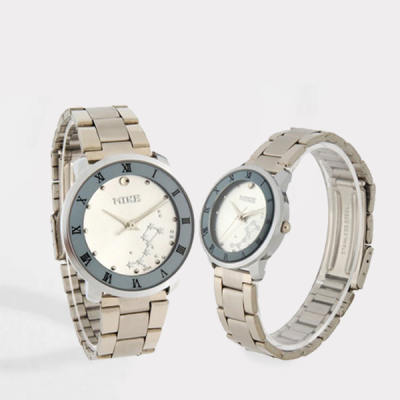 Silver Round Stars Dial Stainless Analogue Couple Watch