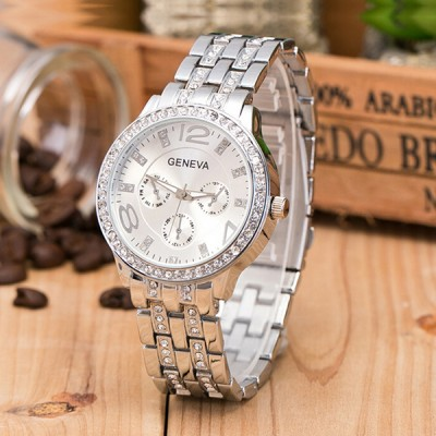 Alloy Crystal Band Unisex Fashion Watch Silver