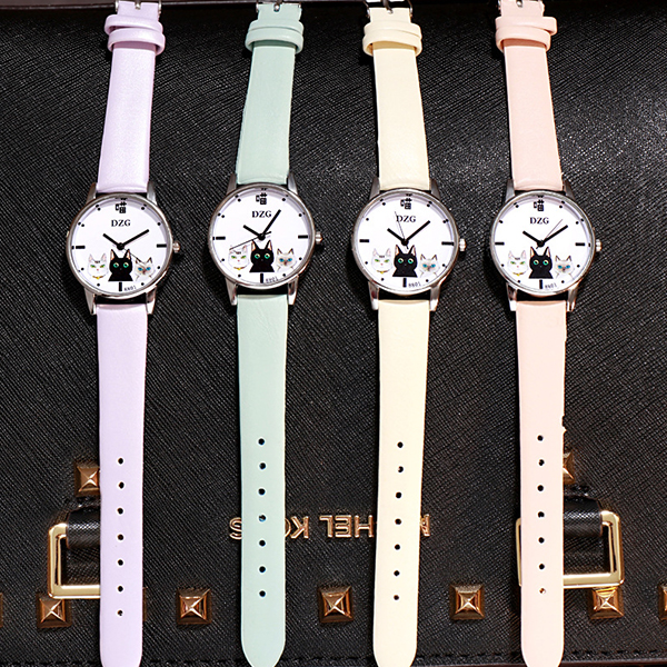 Leather Strappy Casual Wear Wrist Watch - Green